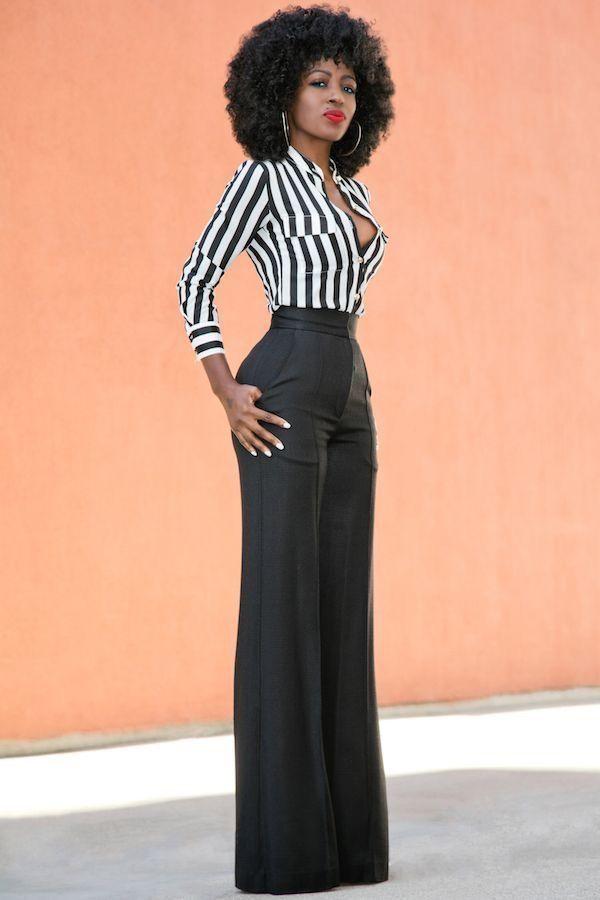 Outfits con pantalones anchos en color negro corte parejo