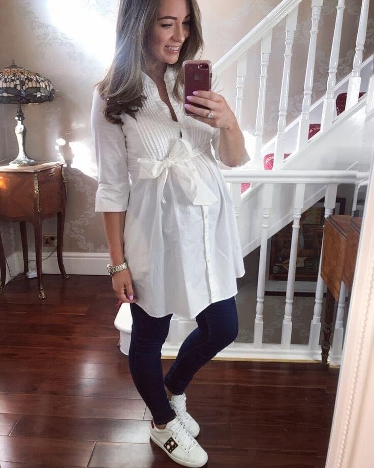 Outfits para futuras mamás con maxi blusas