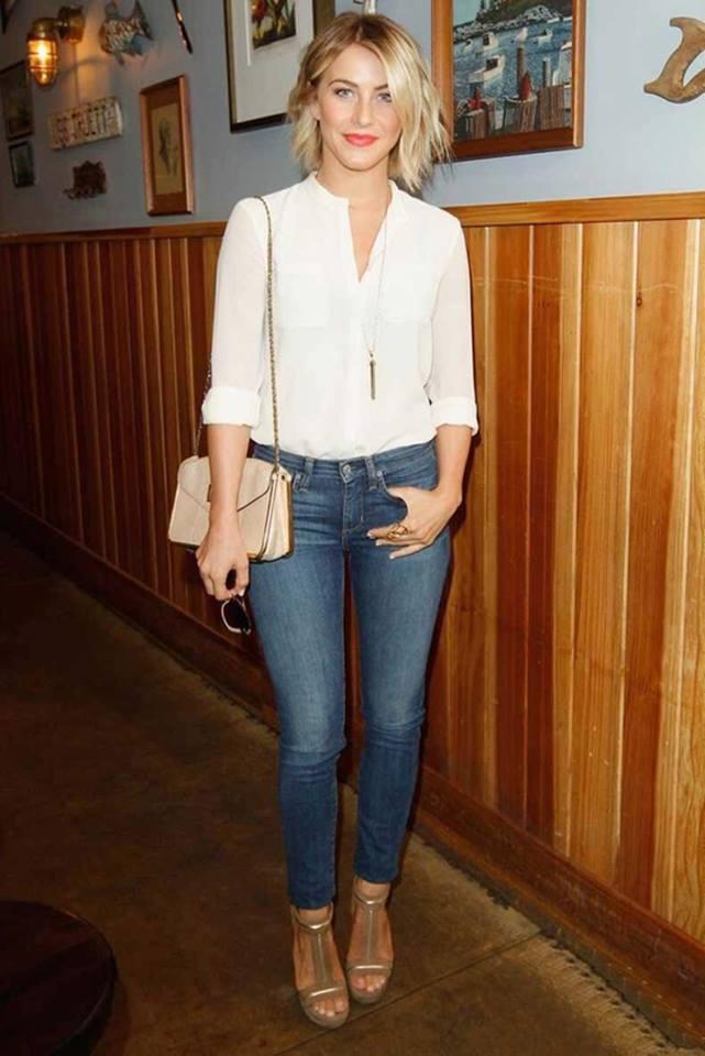 Blusa blanca con escote en v look