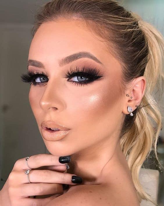 Ideas de maquillaje para chicas de 30 años o más en tonos café
