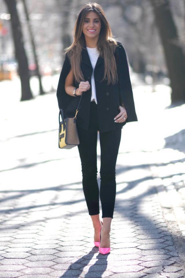 Look para la oficina con leggins negros