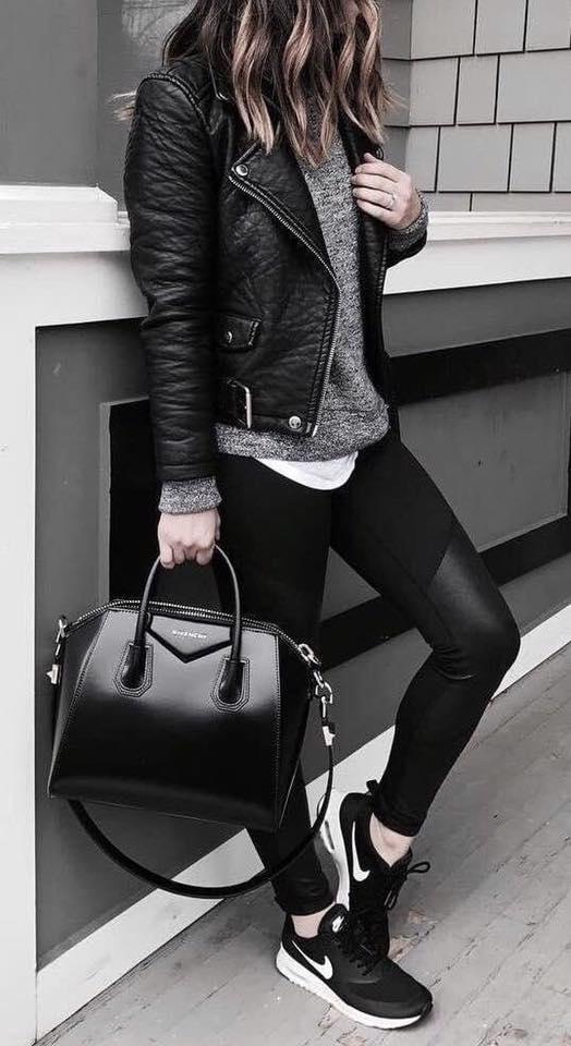 Outfit chamarra negra y leggins