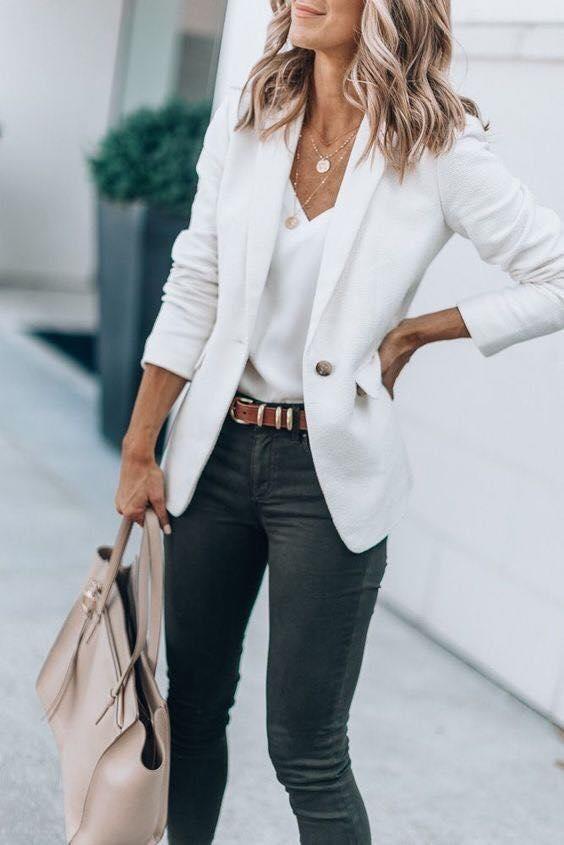 Outfit con blazer blanco