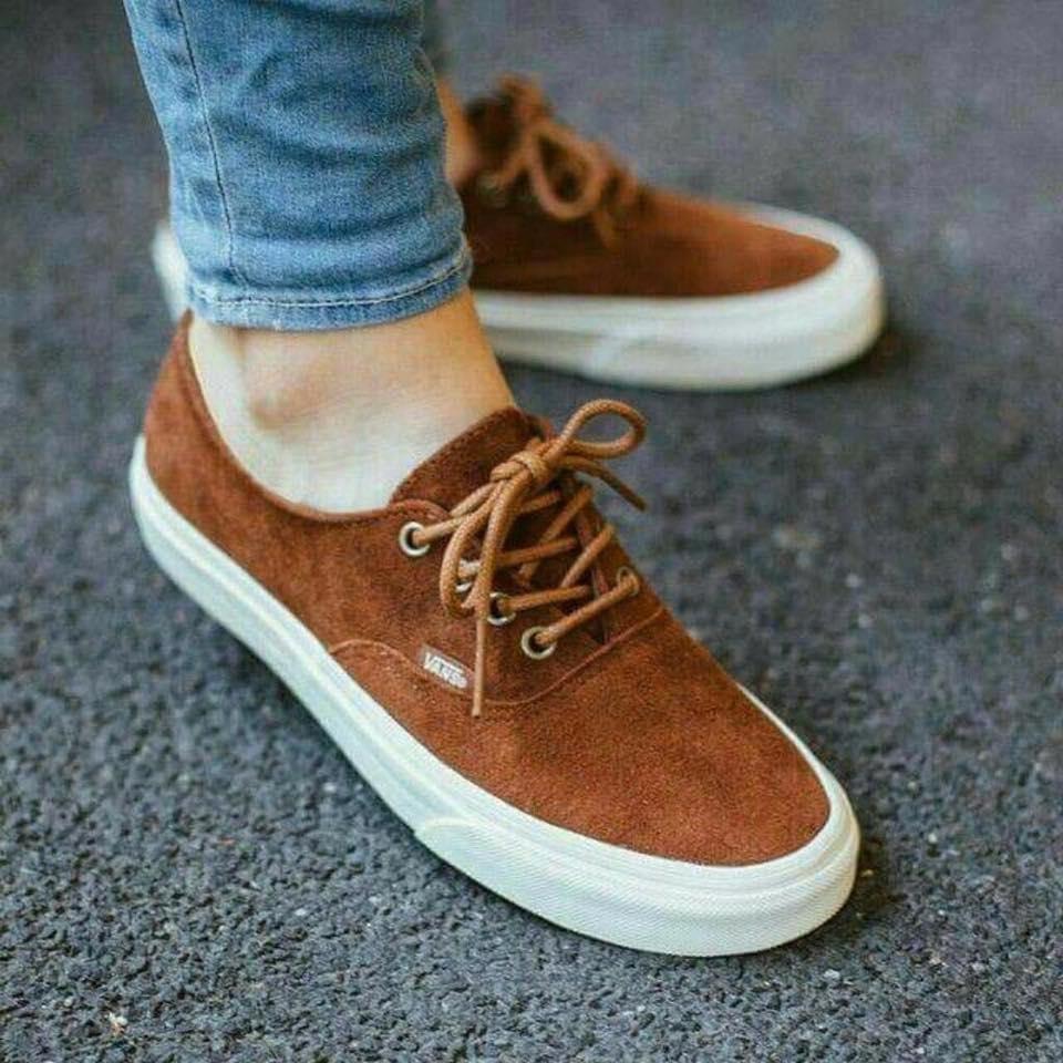 Outfit con zapatos café
