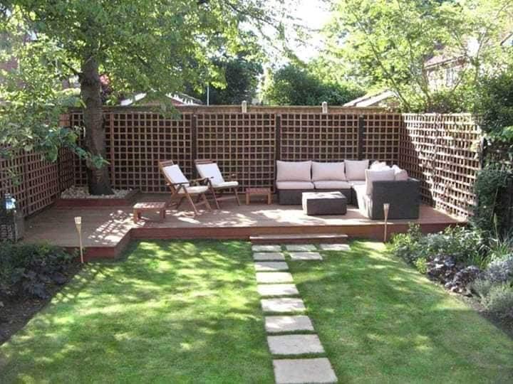 Patios modernos con áreas verdes minimalistas