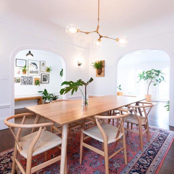Comedor con decoración estilo clásico