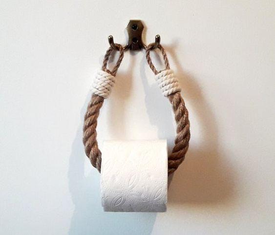 Dónde poner el papel higiénico en material de cuerda