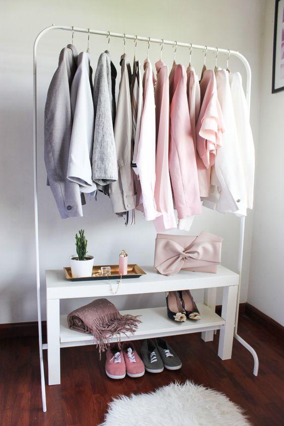 Ideas de armarios económicos para espacios reducidos con rack