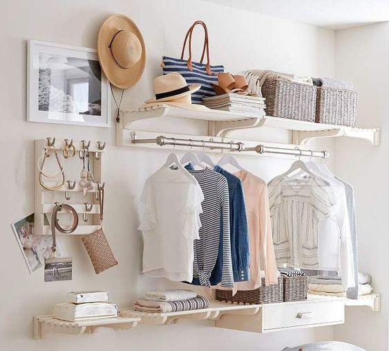 Ideas de armarios económicos para espacios reducidos estilo flotante