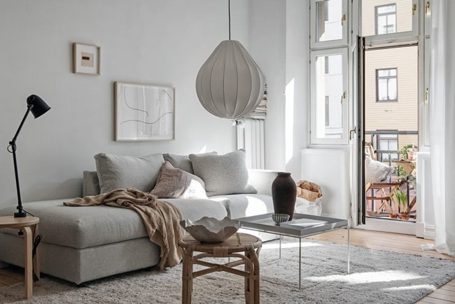 Orienta tus muebles a la luz para energía positiva en casa