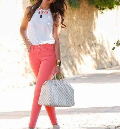 Pantalones en color salmón para la temporada