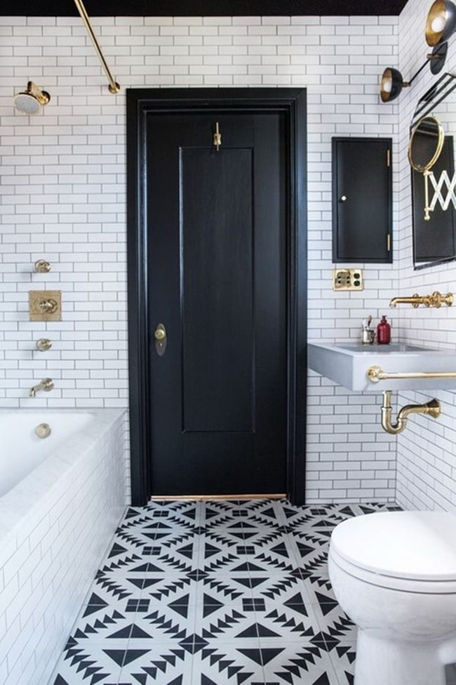 Puerta interior negra para baño