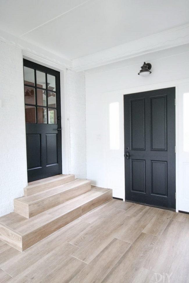 Tendencia en puerta color negra para recibidor