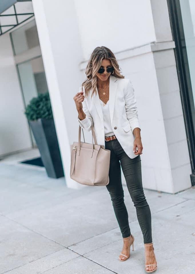 Blazer blanco para atuendo formal de oficina