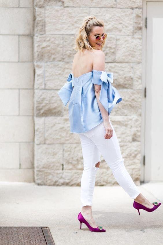 Blusa a los hombros con combinación blanco y azul para mujer de 40 años o más