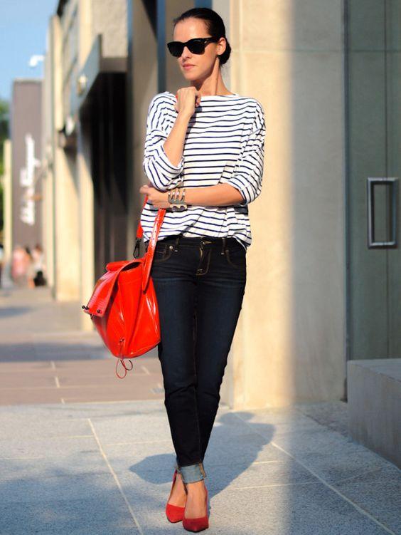 Cómo vestir blusa a rayas cómoda pero con estilo si eres una mujer de 40 años o más