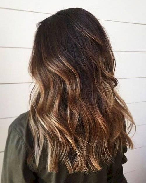 Cortes de cabello para afinar tu rostro - capas largas