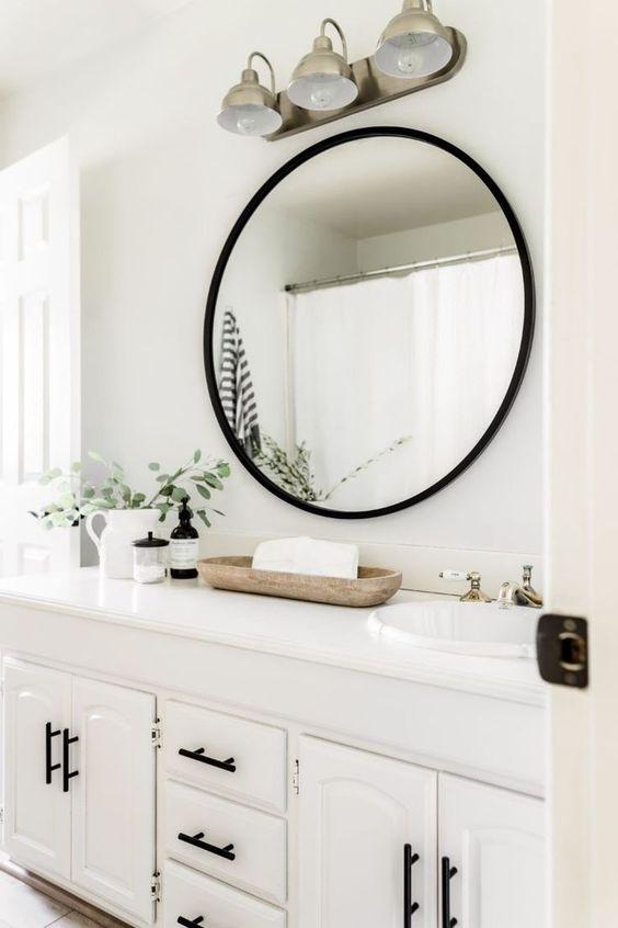 Decoración blanco y negro para el baño