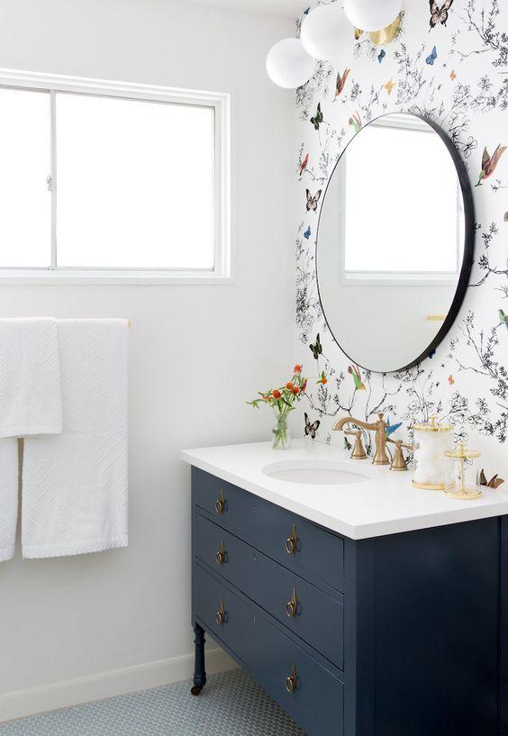 Decoración de arte para el baño de invitados