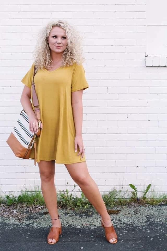 Diseño para vestido estilo blusón en color mostaza