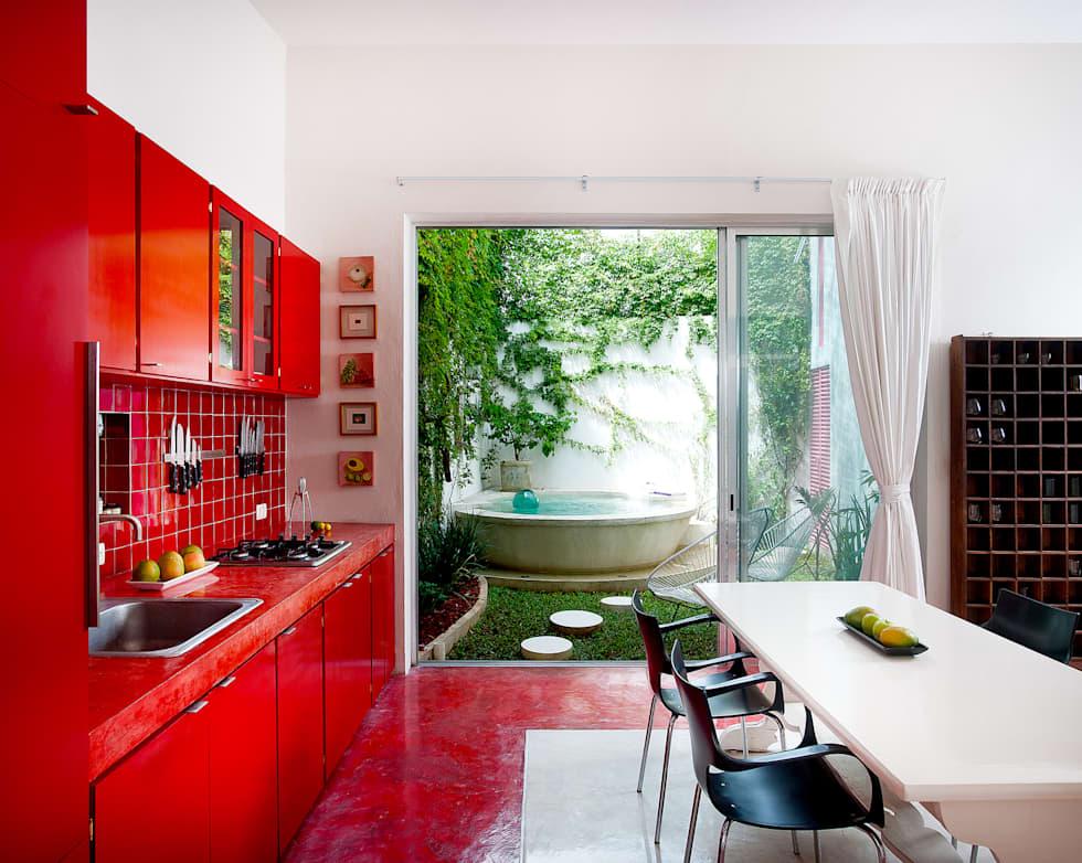 Ideas fabulosas para revestir las paredes de tu cocina con baldosas unicolores para revestimientos