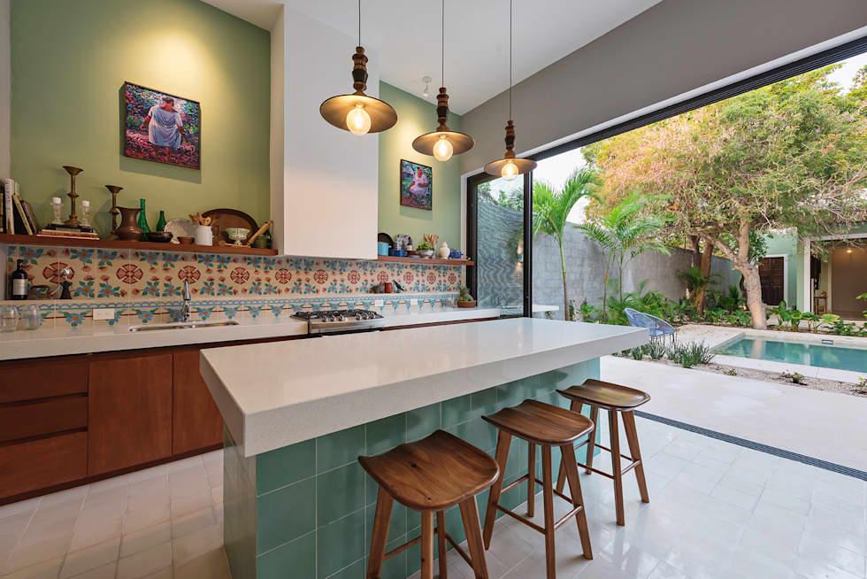Ideas fabulosas para revestir las paredes de tu cocina con cerámicas de colores