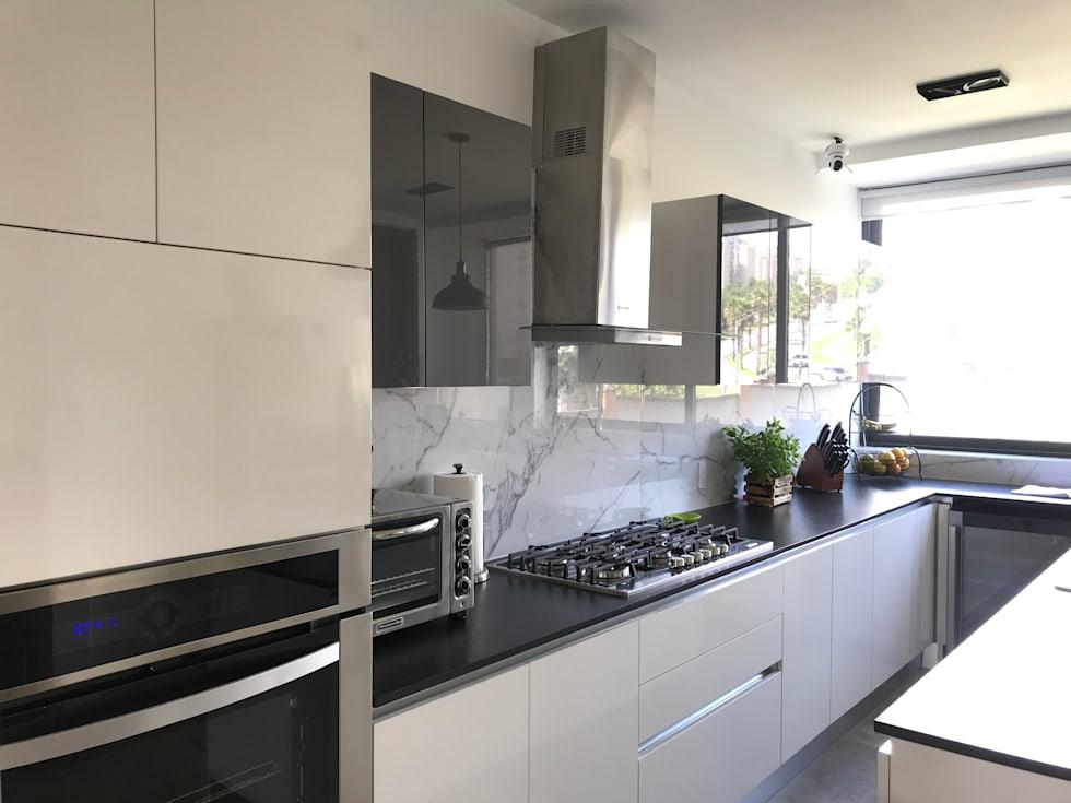 Ideas fabulosas para revestir las paredes de tu cocina con elegante mármol