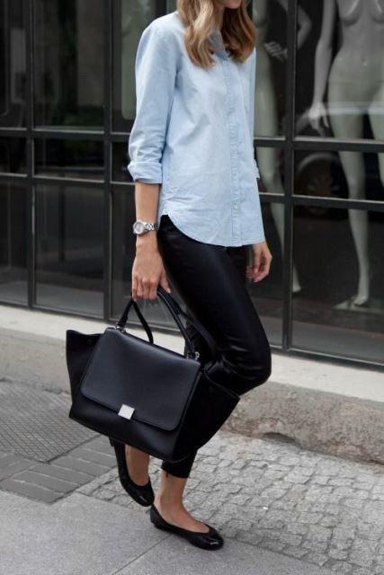 Look con camisa de mezclilla para mujer de 40 años o más