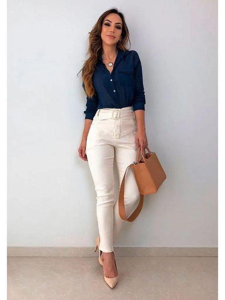 Look de atuendos formales para oficina con pantalones de vestir entallados