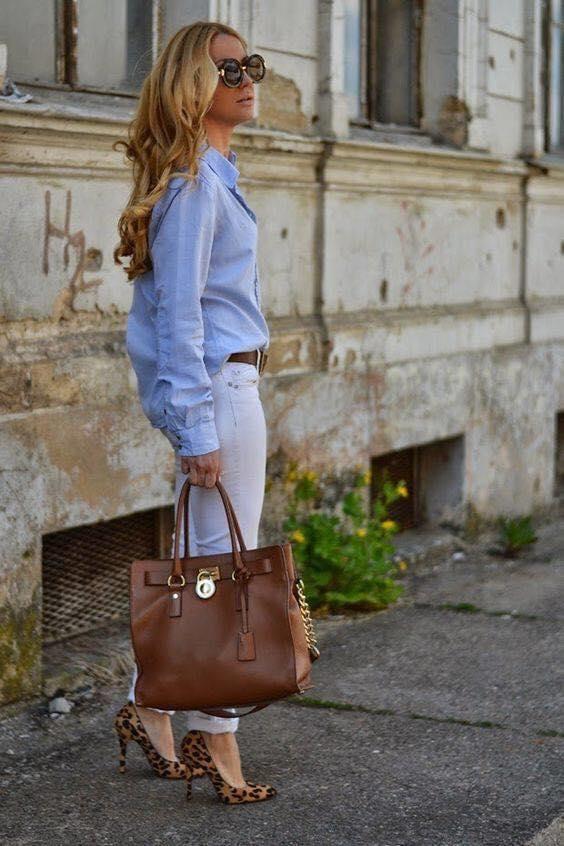 Maxi blusa y skinny jeans para look blanco y azul