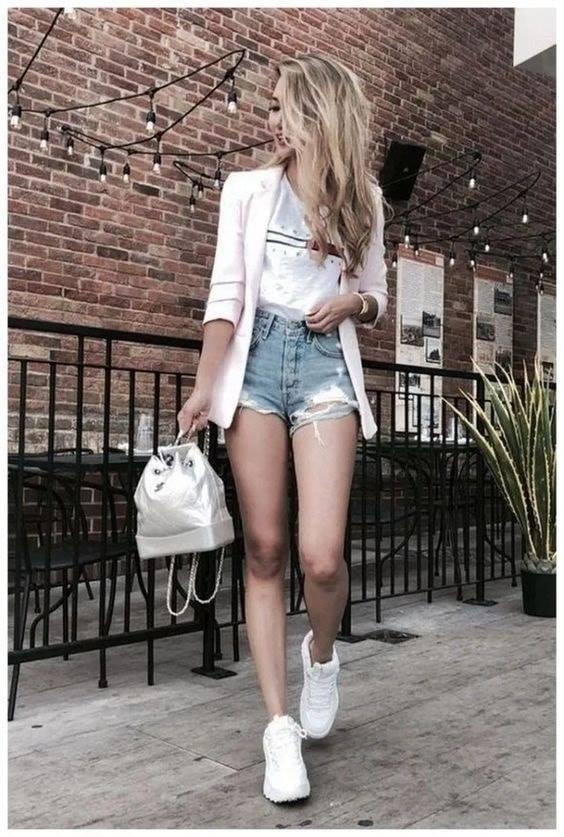 Outfits con shorts y blazer atuendo informal