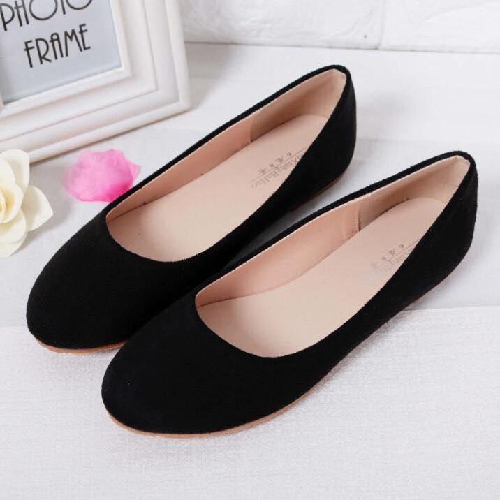 Zapatos de terciopelo color negro sin tacones