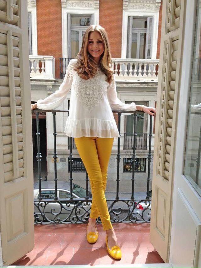 Skinny jeans en color mostaza para outfit