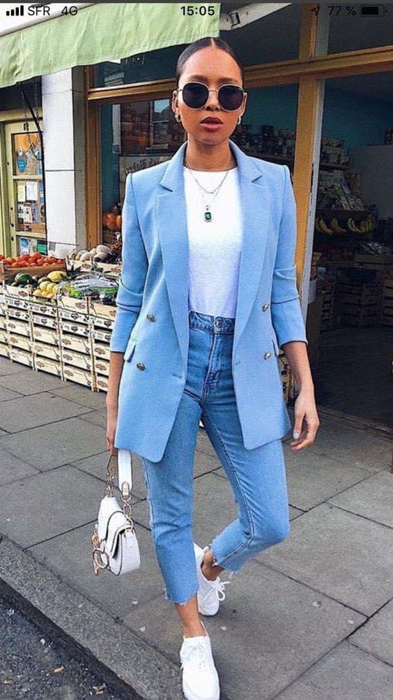 Cómo combinar un blazer formal con un outfit casual