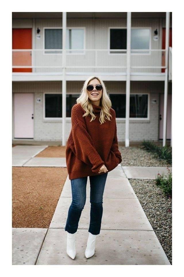 Maxi suéter con jeans lisos para outfit en temporada de frío