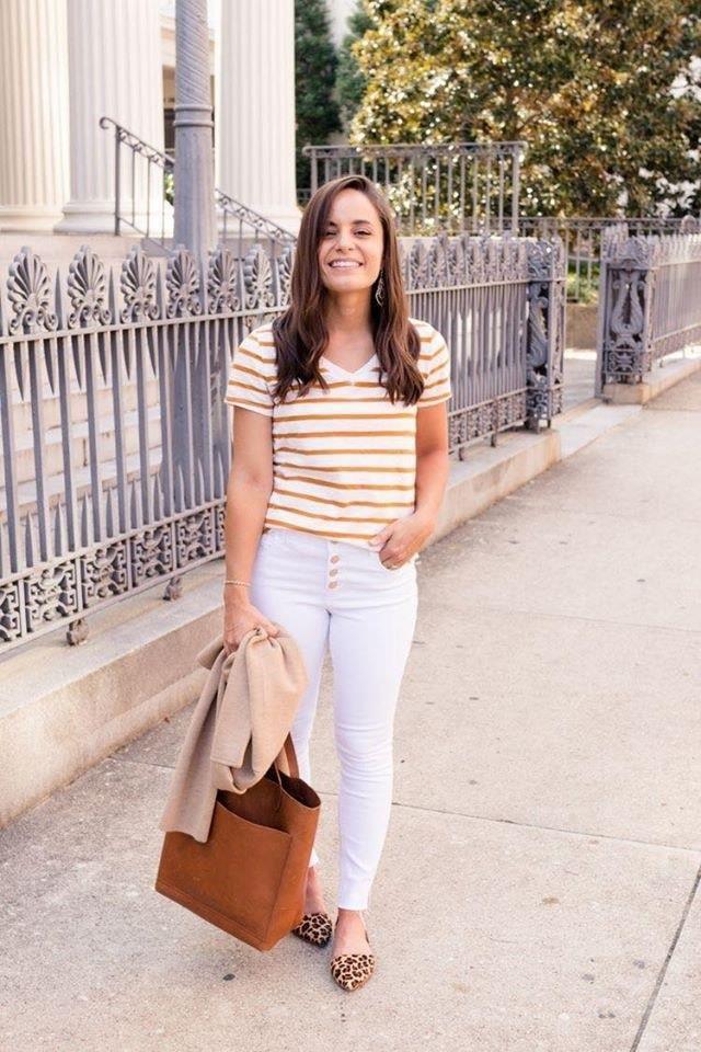 Outfit con prints con estilo para las chicas bajitas