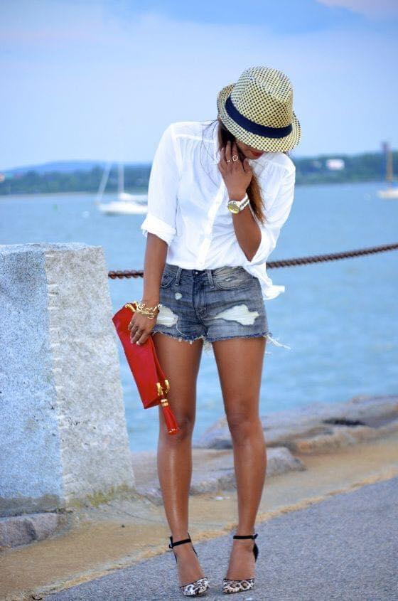 Shorts y tacones de print para mujeres de 40 años o más