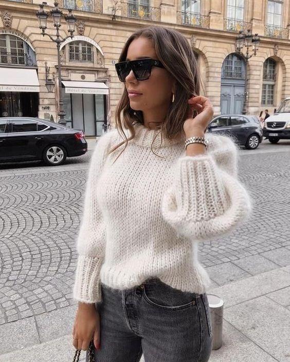 Outfits con sweater que puedes usar a cualquier edad