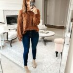 Looks casuales con suéter y jeans