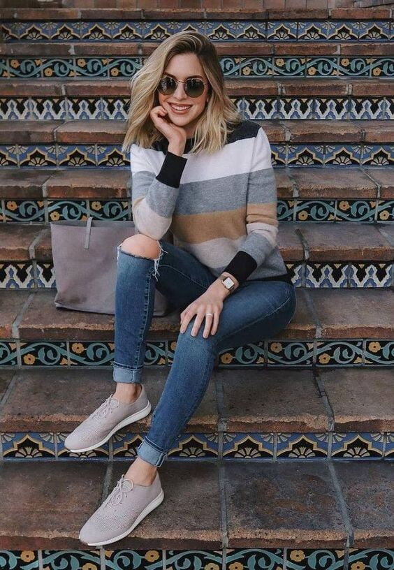 Outfits casuales con suéter y tenis