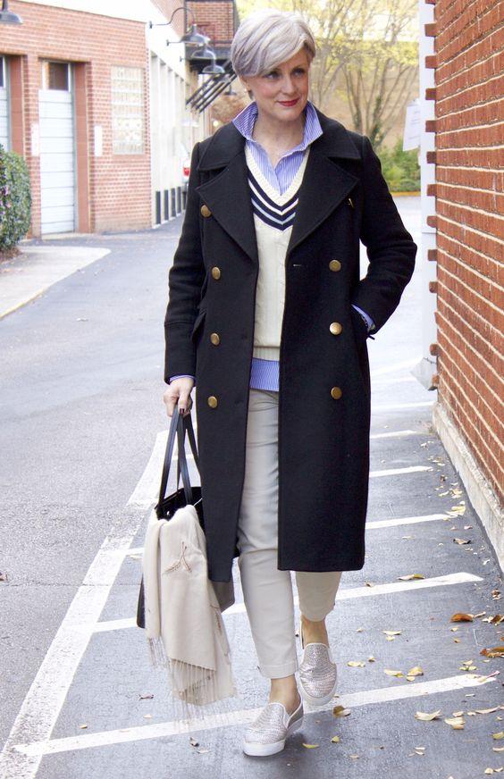Outfits con abrigos para mujeres maduras