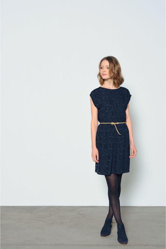 Outfits con cinturones delgados para chaparritas