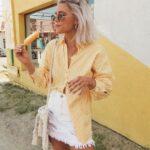 Ideas de outfits casuales con falda para mujeres maduras
