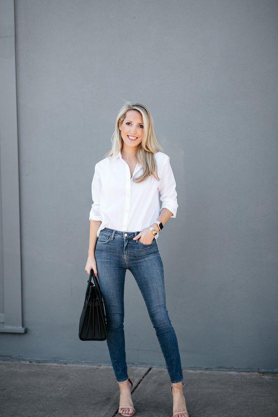 Ideas para usar tus camisas blancas todo el año si eres una mujer de 40 o más