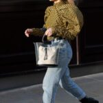 Looks casuales con mangas abombadas para mujeres de 40
