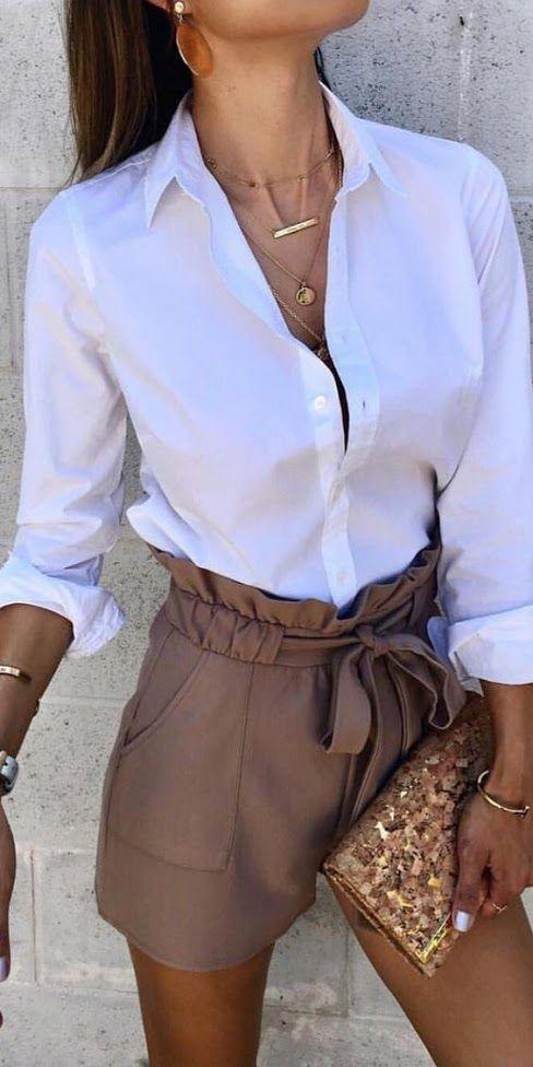 Looks de camisa blanca con shorts