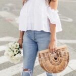 Looks para verano con blusa blanca y jeans