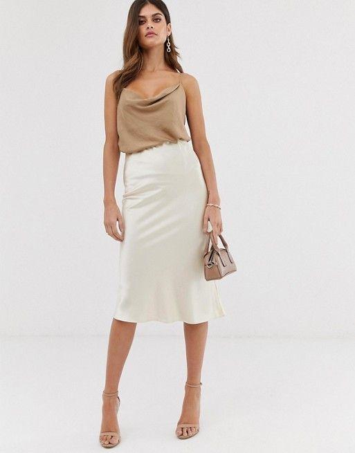 Outfits con faldas de satin blancas