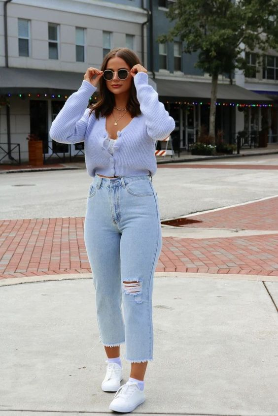 Looks con jeans mom