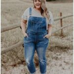 Outfits para mujeres plus size con overol